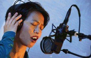 girl_in_recording_studio