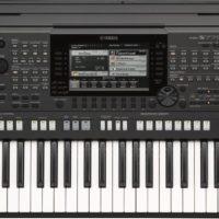 61-key mid-level arranger keyboard